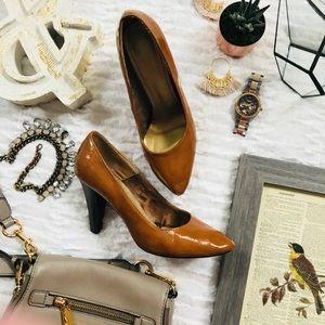 Shiny Caramel Heels!